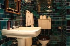 debenham_bathroom_1