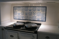 white-blue-tiles-aga